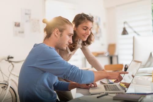 Pendapat Pria Jika Karier Pasangan Lebih Tinggi