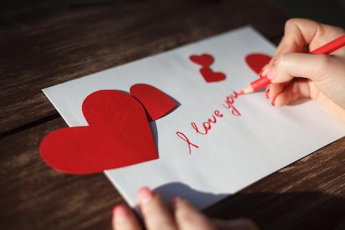 Cara Merayakan Hari Valentine Jika Sedang LDR