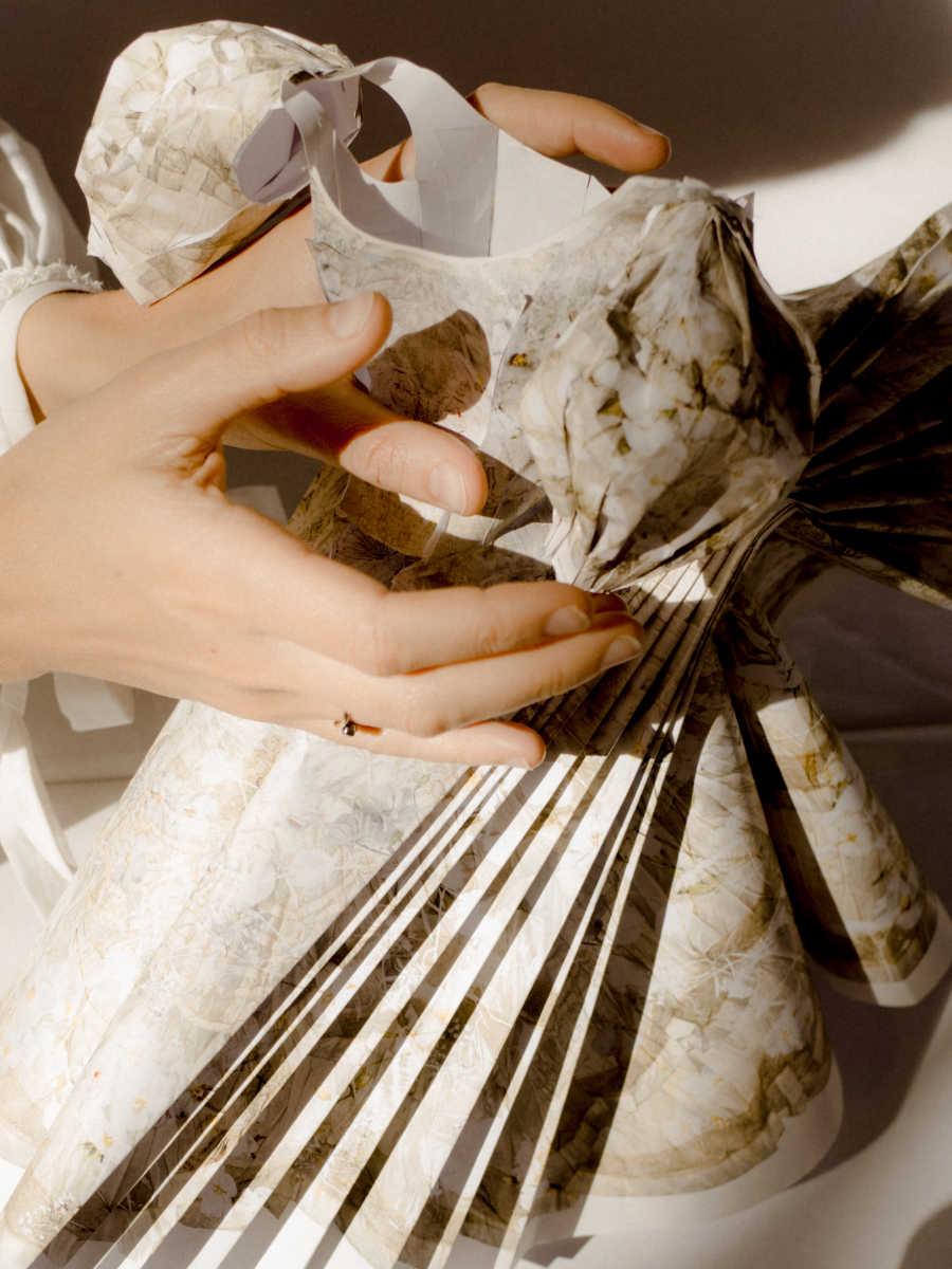 Belajar Membuat Boneka Kertas Bersama Alexander McQueen