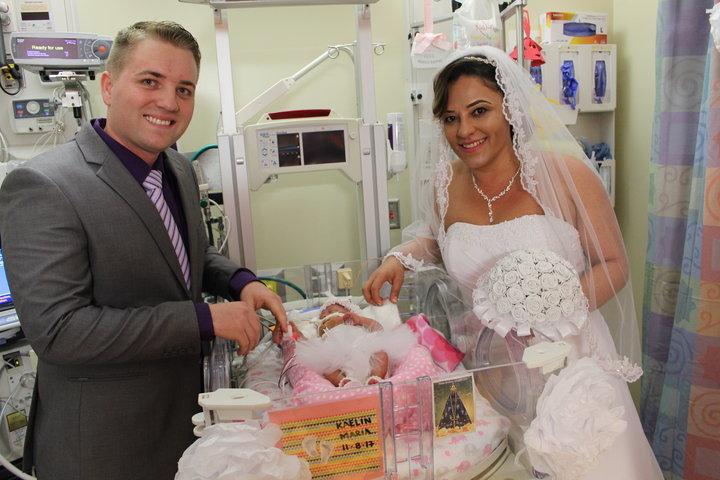 Anti-mainstream! Pasangan Ini Menikah di Rumah Sakit