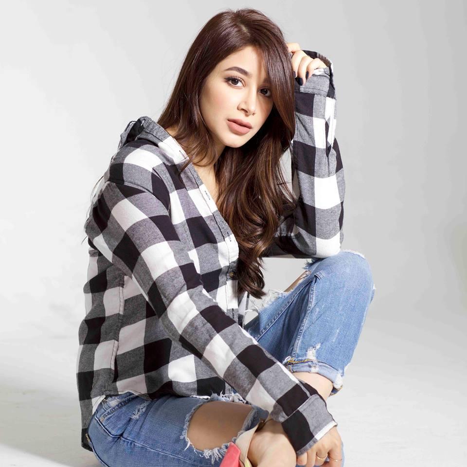 Download Mp3 Lagu Via Vallen Meraih Bintang Asian Games 2018: Aseel Omran, Penyanyi Viral 'Meraih Bintang' Versi Arab