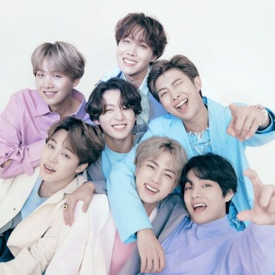 BTS Resmi Menjadi Brand Ambassador Louis Vuitton