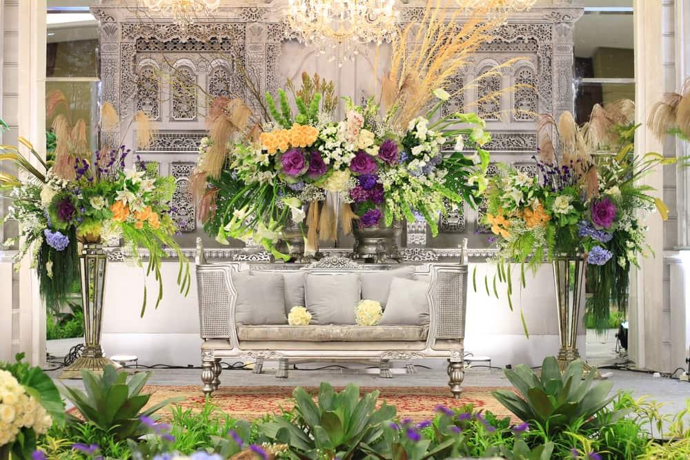 Beragam Tren Pernikahan di 'Golden Ballroom Love Story'