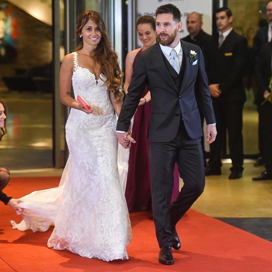 Bintang Sepak Bola Lionel Messi Nikahi Kekasih Lamanya