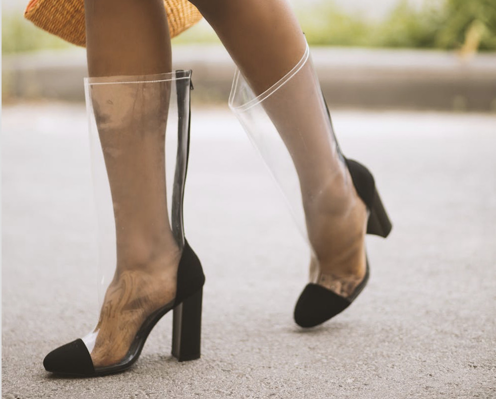Cara Mengatasi Sepatu Heels yang Kebesaran