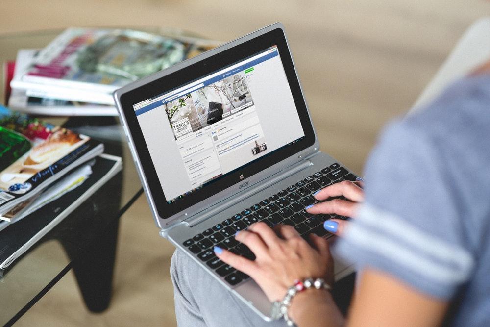 Cara Menggunakan Facebook Untuk Membangun Koneksi