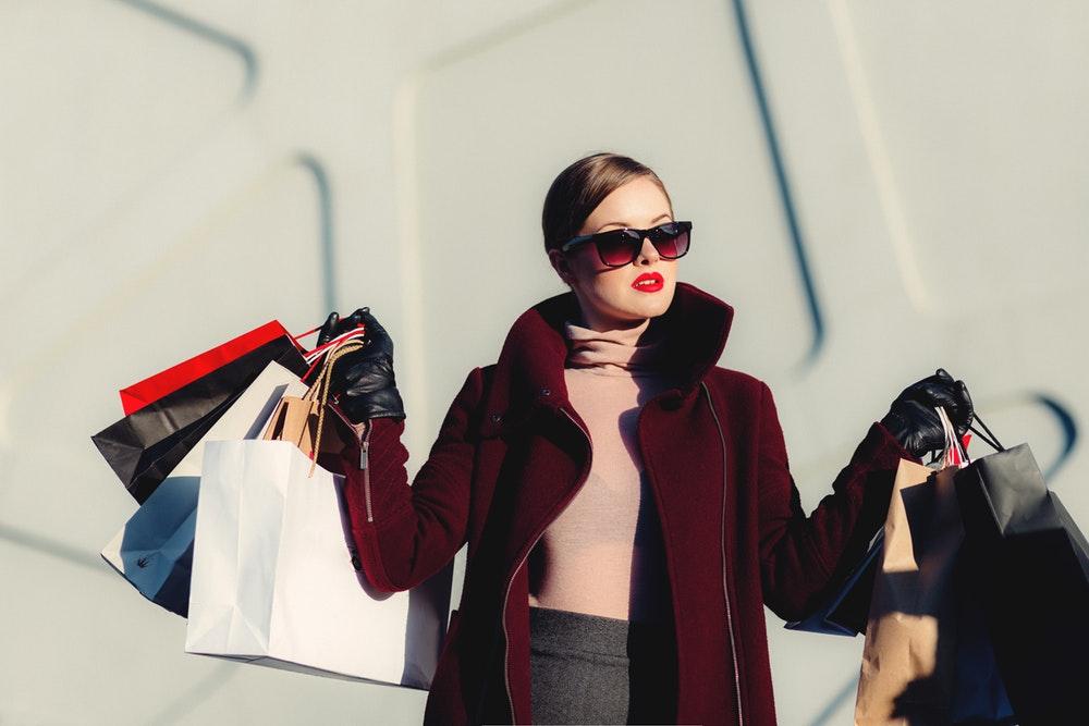 Cara Menghindari Pengeluaran Tak Terencana Saat di Mall