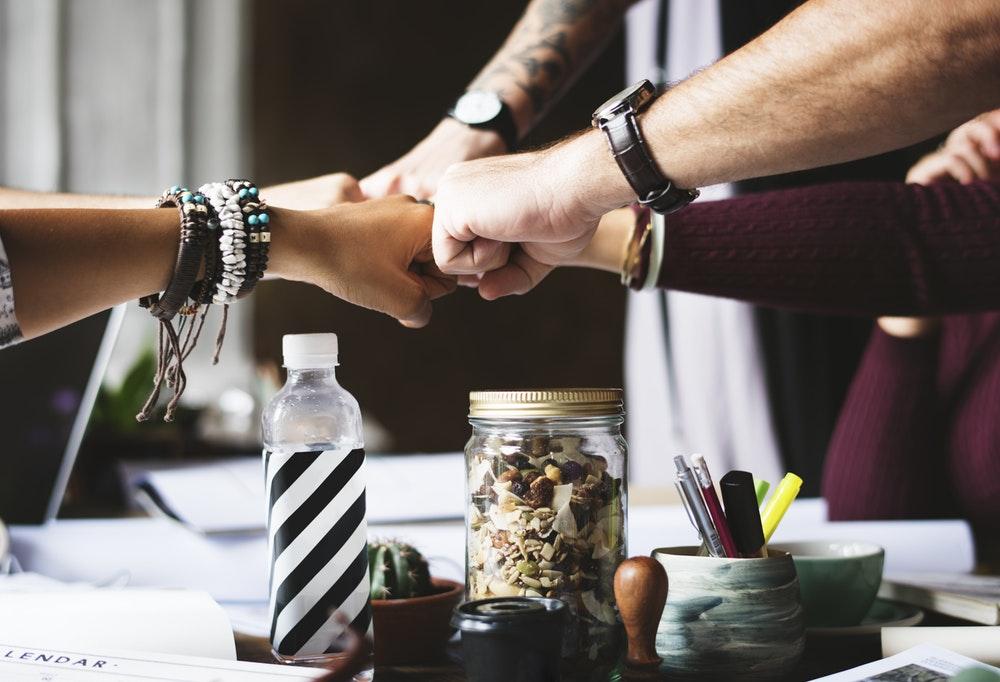 Cara Menjadi Anggota Tim yang Baik di Kantor