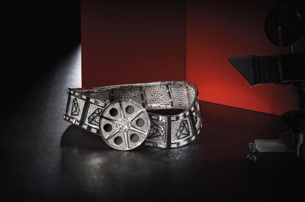 'Cinemagia': Dunia Perfilman dalam Perhiasan Mewah