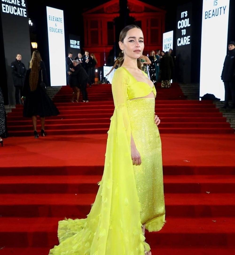 Deretan Busana Terbaik di Ajang Fashion Awards 2019