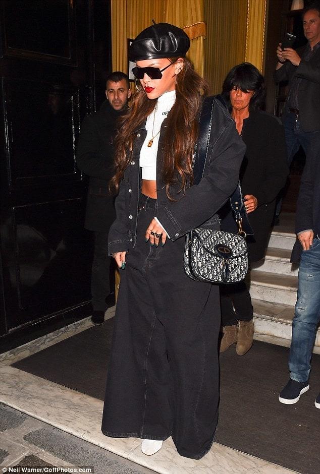 Gaya 3 Artis yang Mengenakan Tas Dior Oblique