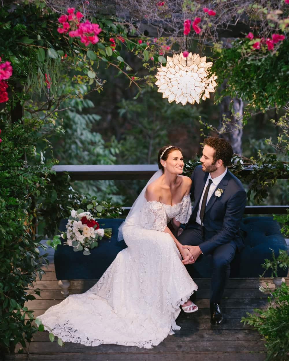 Idina Menzel Menikah Dengan Aaron Lohr