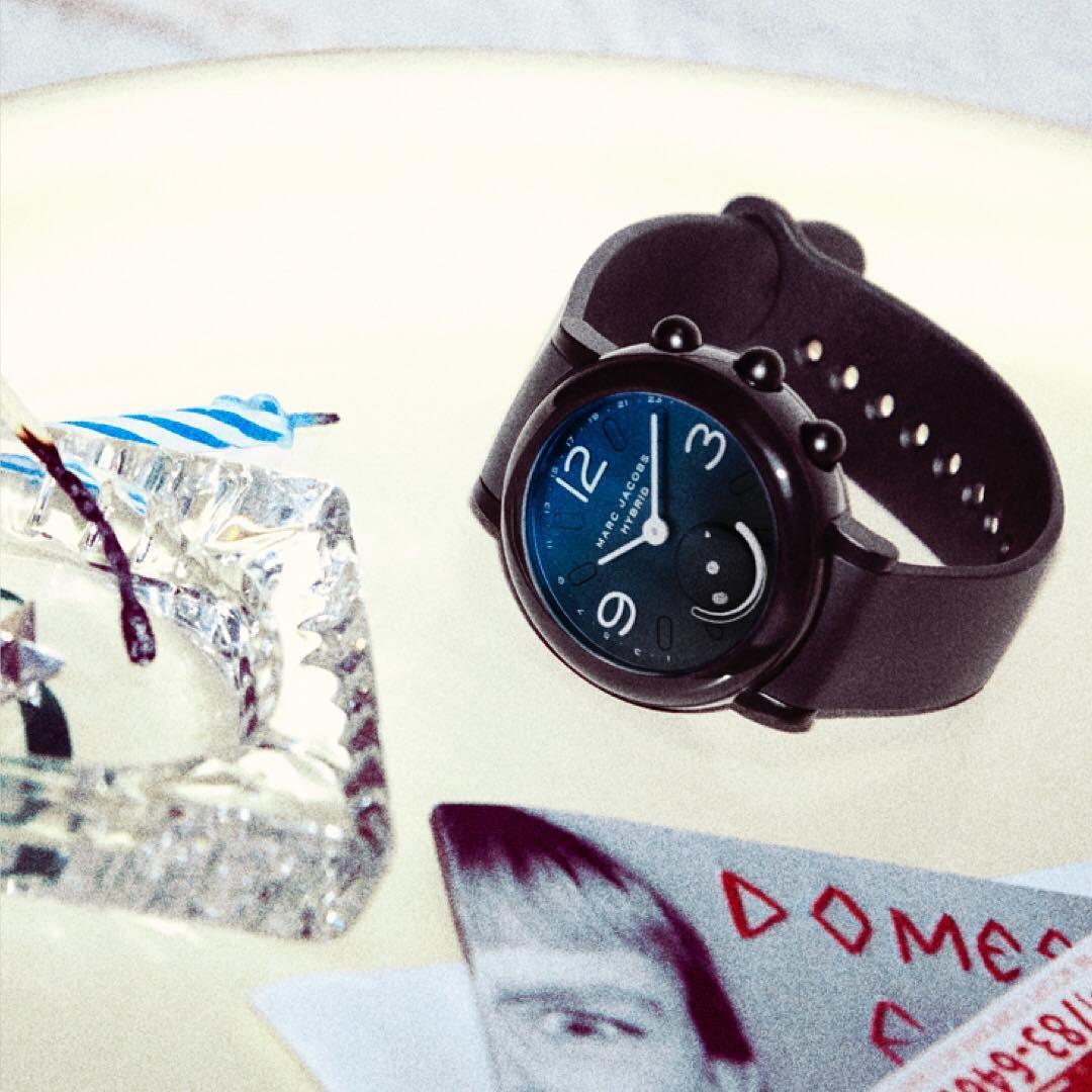 Ini Dia Jam Tangan Pintar Hybrid Dari Marc Jacobs