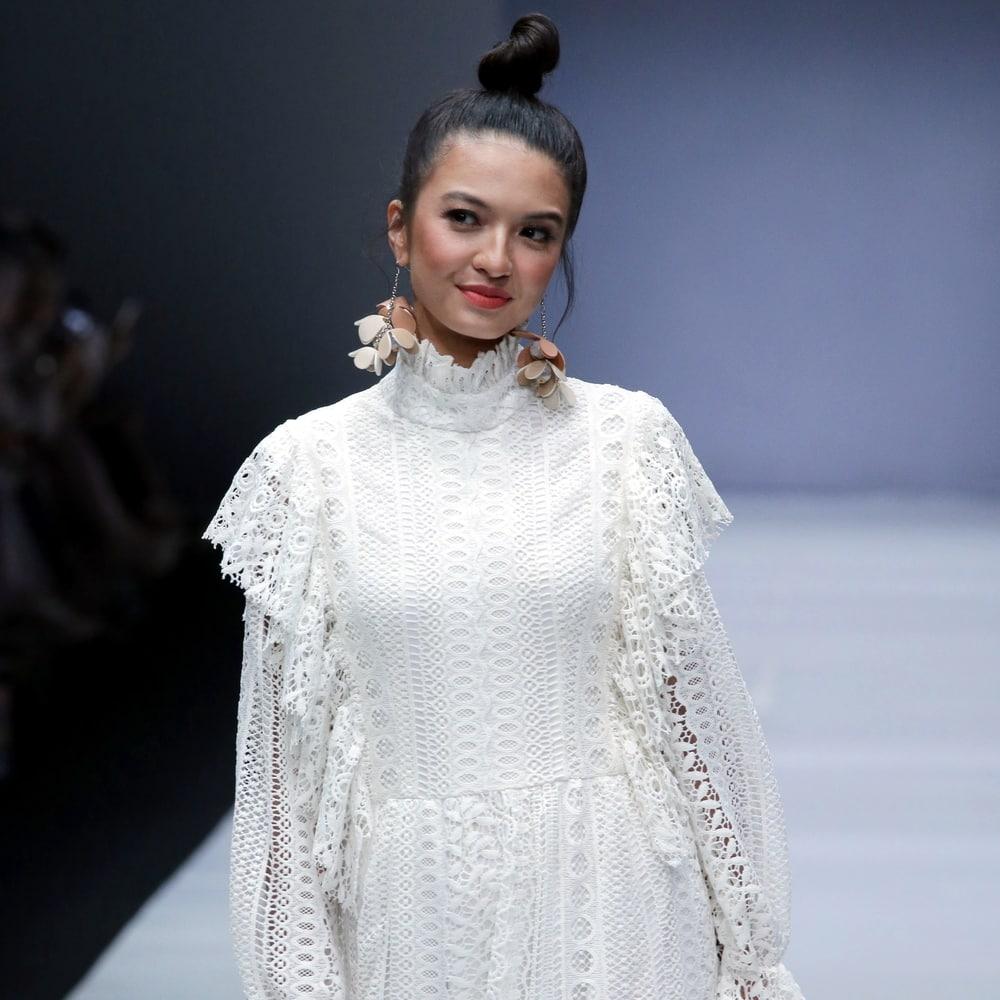 Inspirasi 6 Kota, 6 Desainer di Jakarta Fashion Week