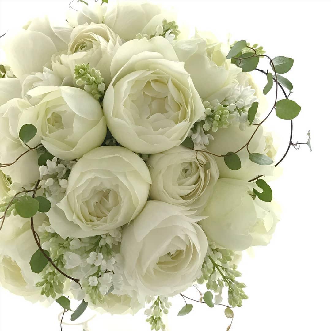 Inspirasi Buket Bunga Pengantin Berwarna Putih