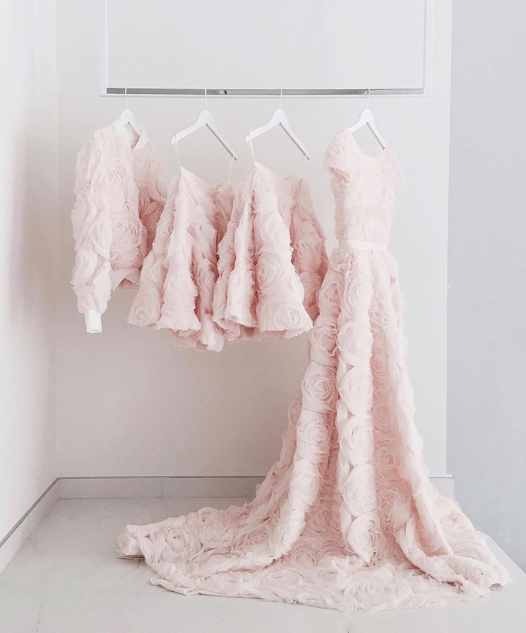 Inspirasi Gaun Pengantin Warna Merah Muda