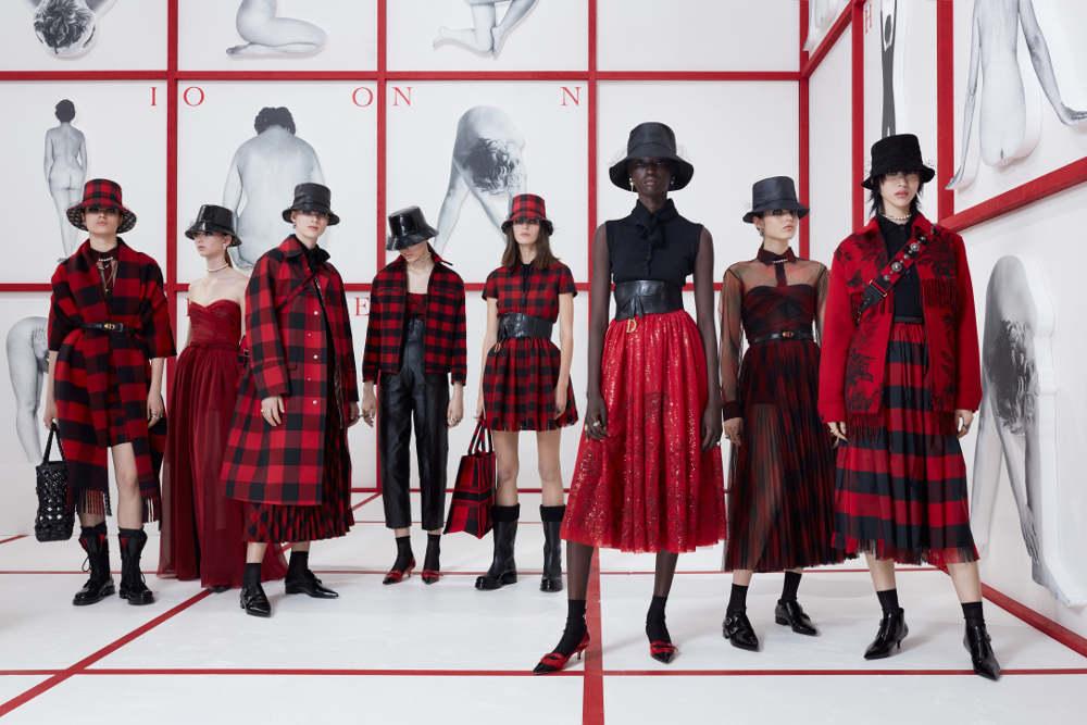 Inspirasi Gaya 'Teddy Girls' di Koleksi Terbaru Dior