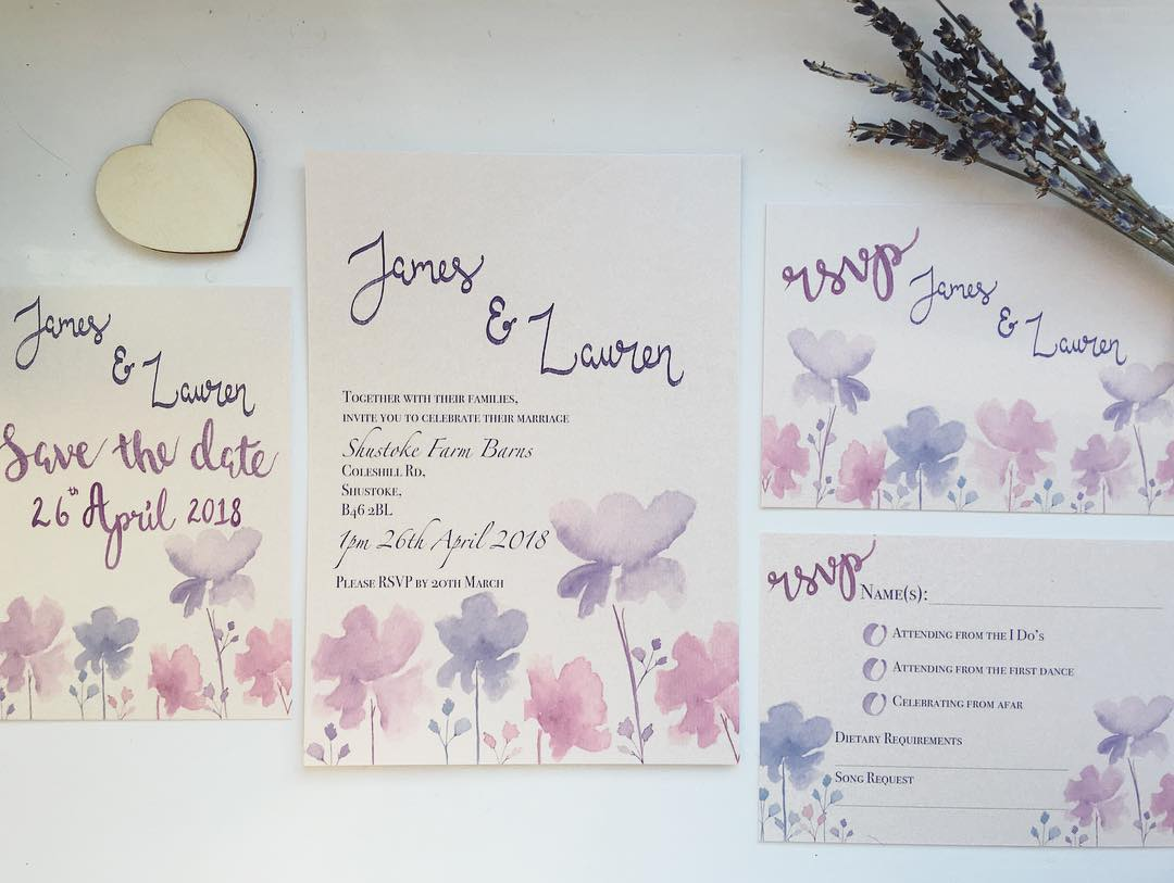 Inspirasi Undangan Pernikahan Bernuansa Bunga