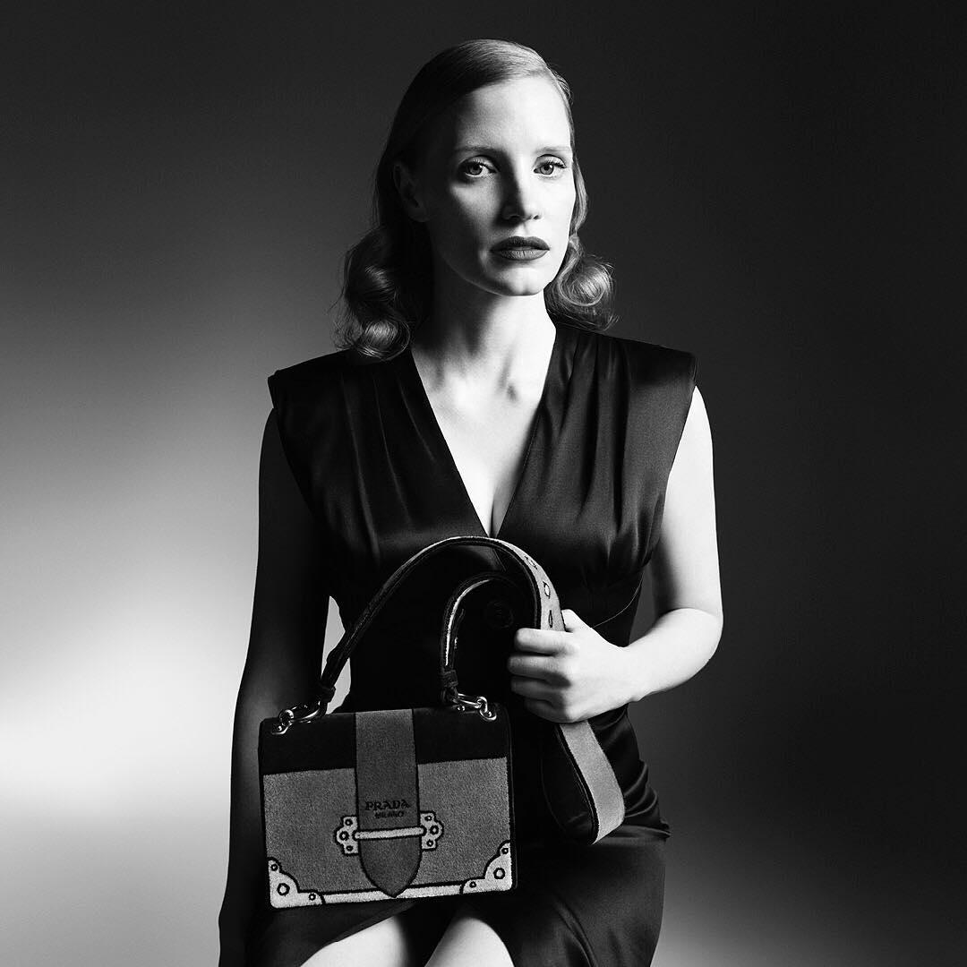 Jessica Chastain Bintangi Kampanye Iklan Prada