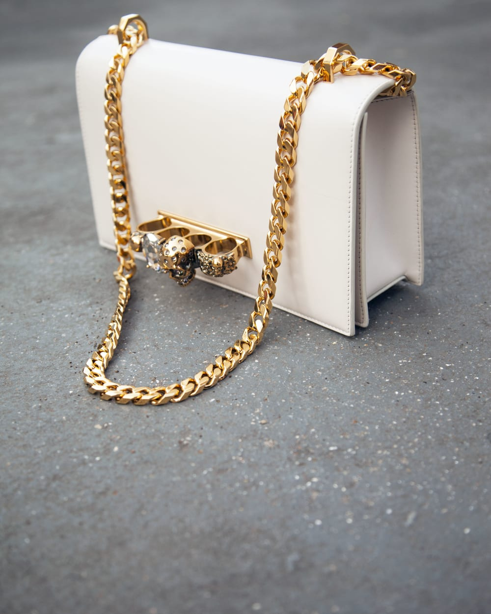 Jewelled Satchel: Evolusi Clutch Alexander McQueen
