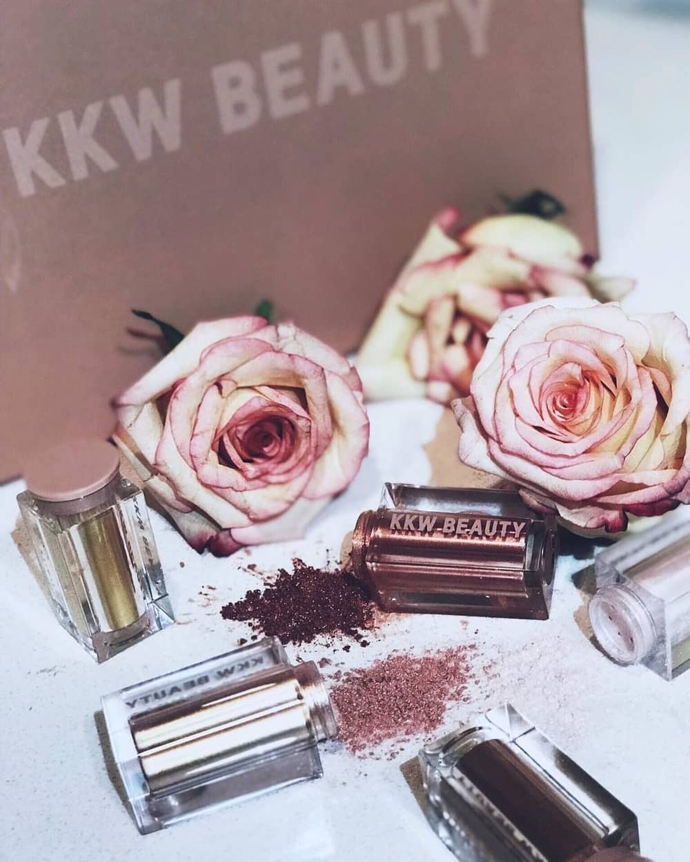 KKW Beauty Meluncurkan Koleksi Ultralight Beams