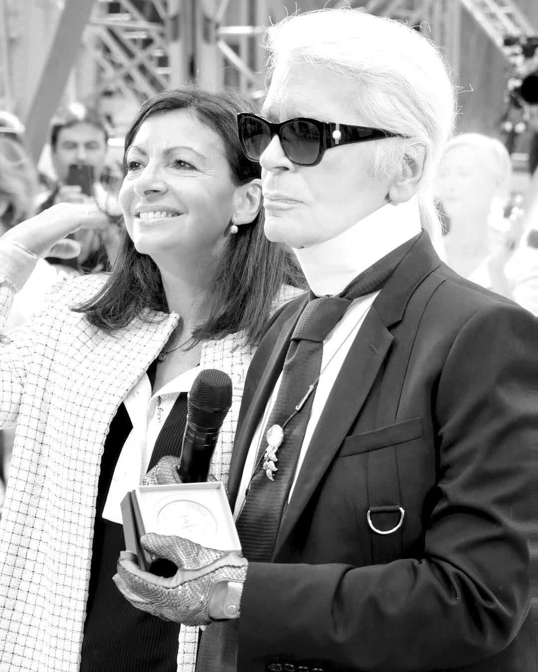 Karl Lagerfeld Raih Penghormatan Tertinggi dari Paris
