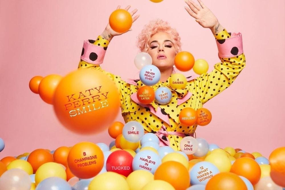 Katy Perry Persembahkan Lagu Only Love Di AMAs Untuk Ayahnya