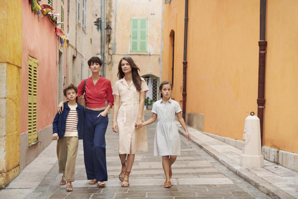 Kegembiraan Kota Pantai Saint-Tropez dalam Wujud Busana