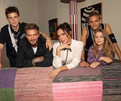 Keluarga Beckham Dukung Victoria Di London Fashion Week