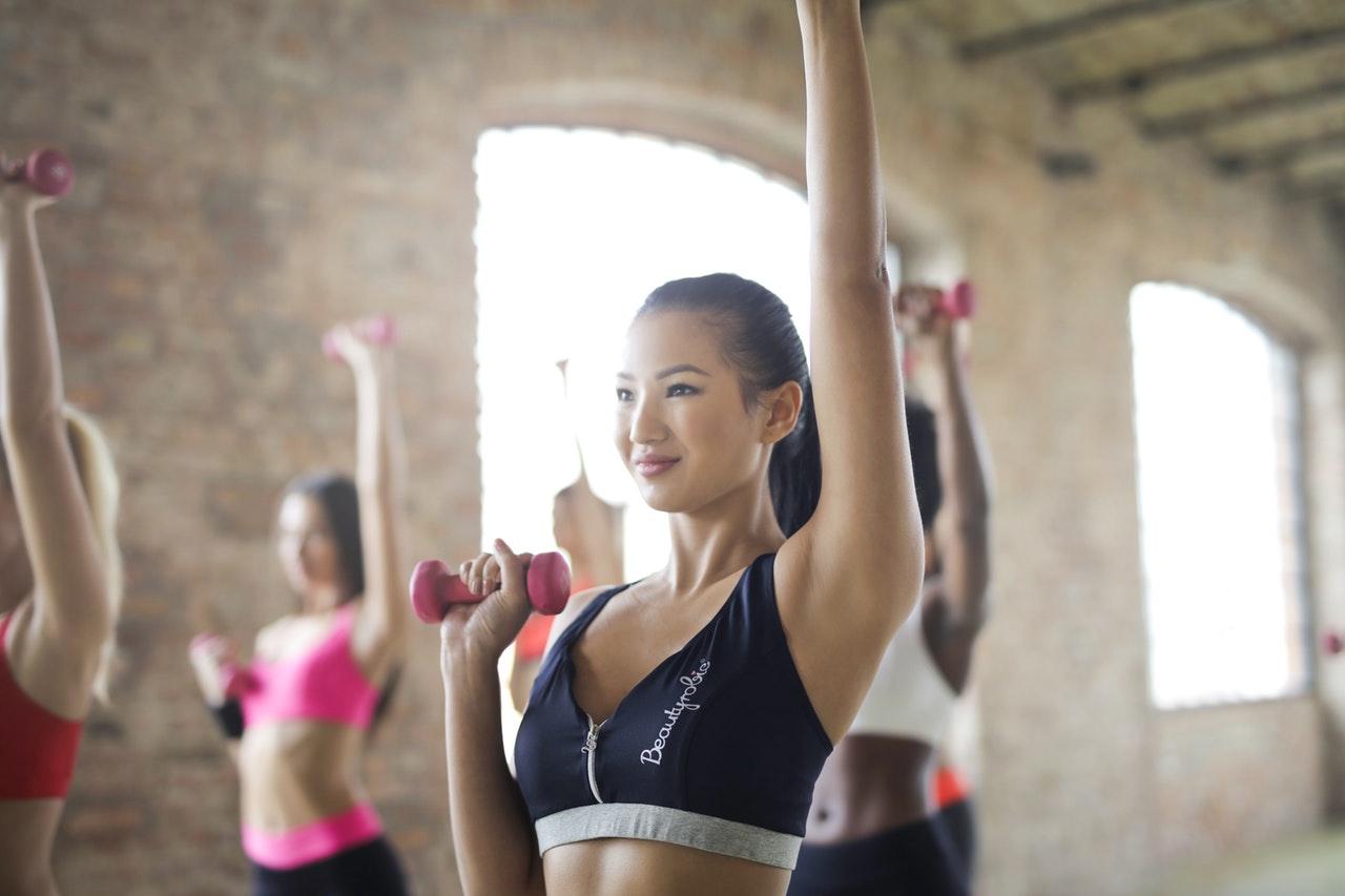 Kencangkan Area Dada dengan 4 Latihan Praktis