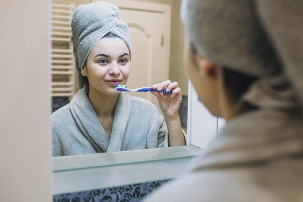 Kini, Masih Perlukah Siwak untuk Bersihkan Gigi?
