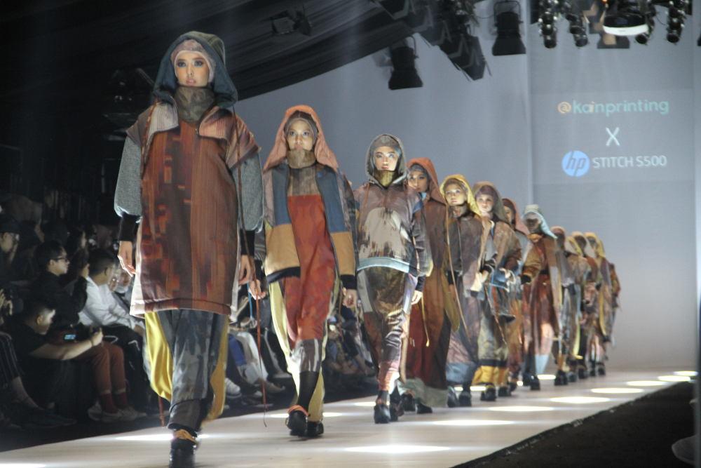 Koleksi Modestwear dengan Perpaduan Seni dan Teknologi