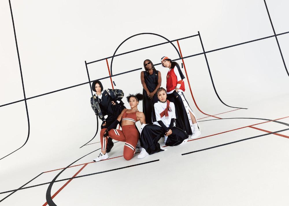 Koleksi 'Nike Icon Clash' Hadir dengan Sentuhan Glamor