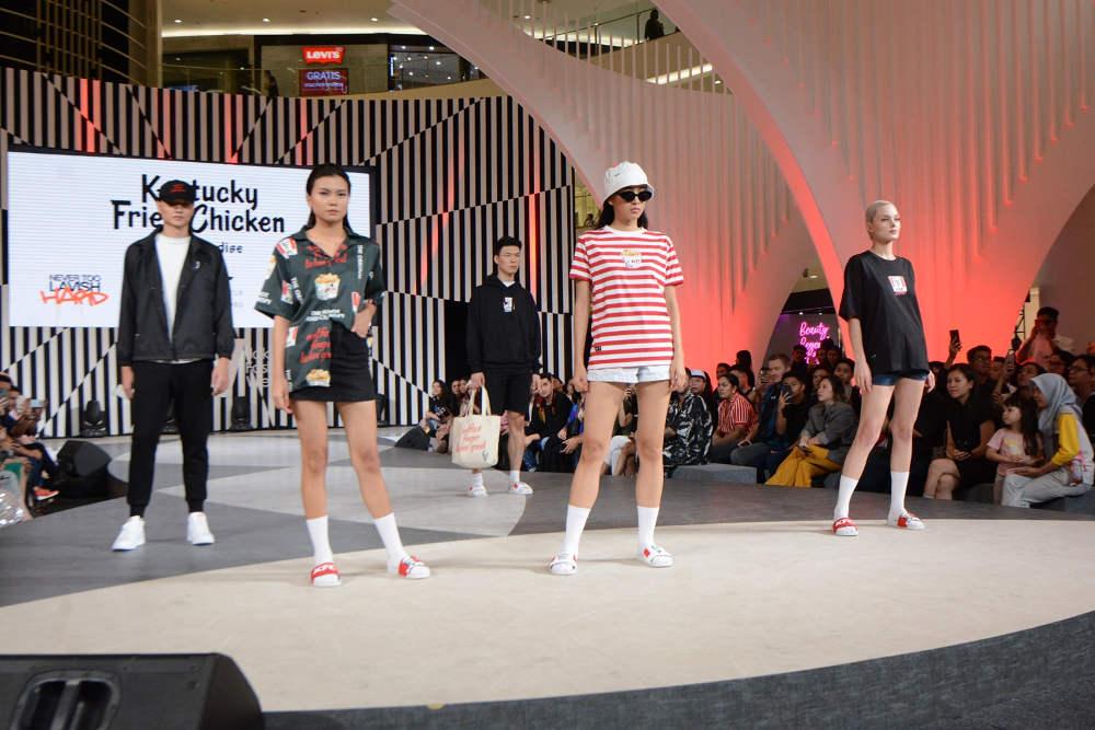 Koleksi Pakaian dan Sepatu Pertama KFC Indonesia
