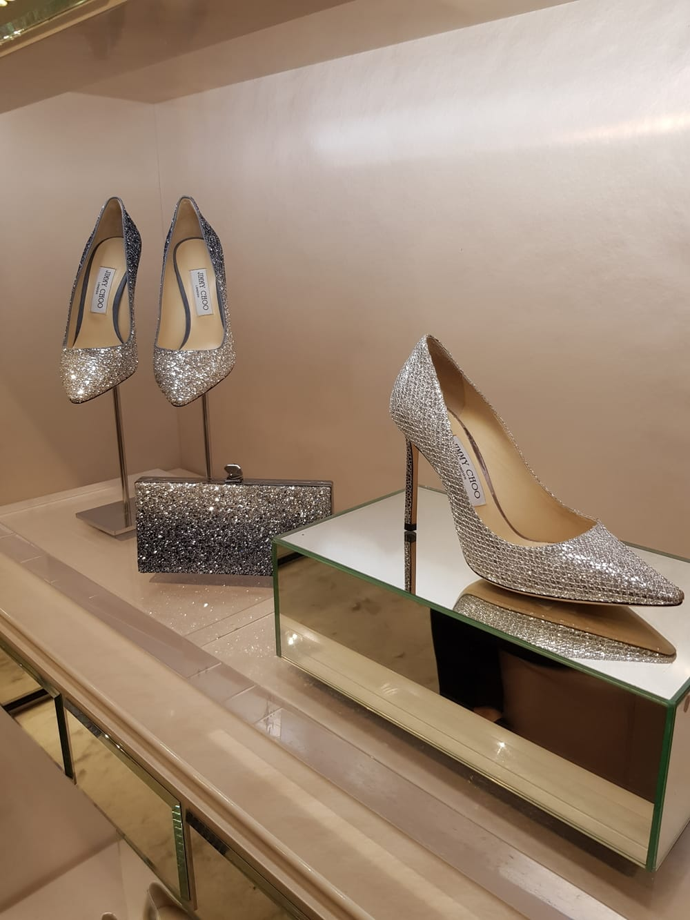 efbf5ef8522 Koleksi Sepatu Bridal Jimmy Choo Hadir Di Indonesia