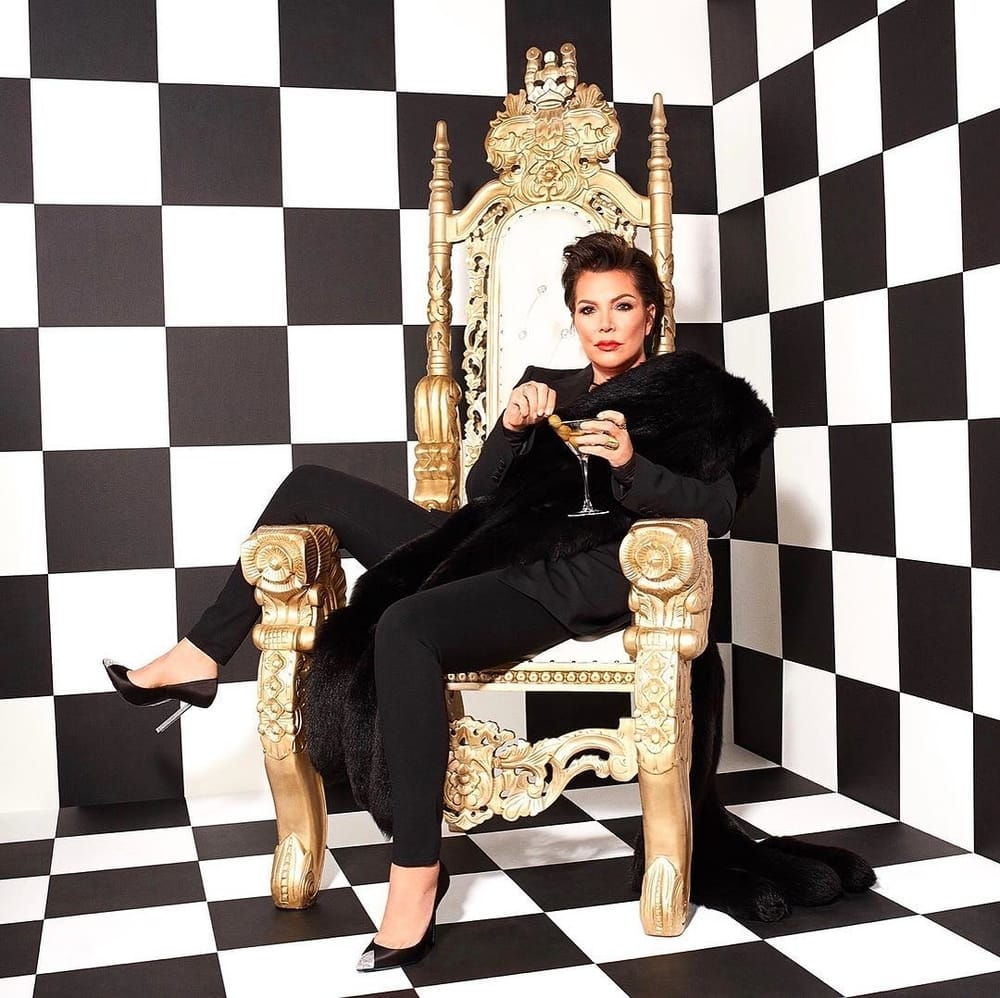Kylie Jenner Berkolaborasi Dengan Sang Ibu Kris Jenner