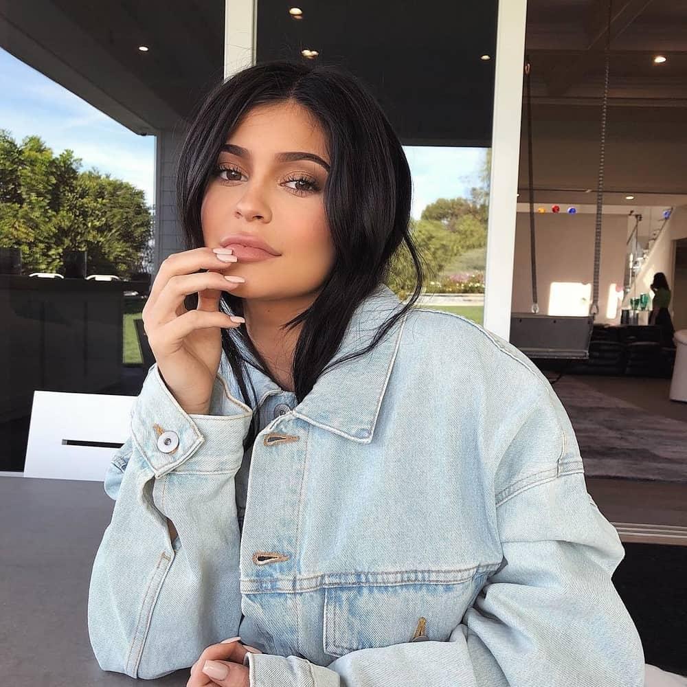 Kylie Jenner Melahirkan Anak Perempuan