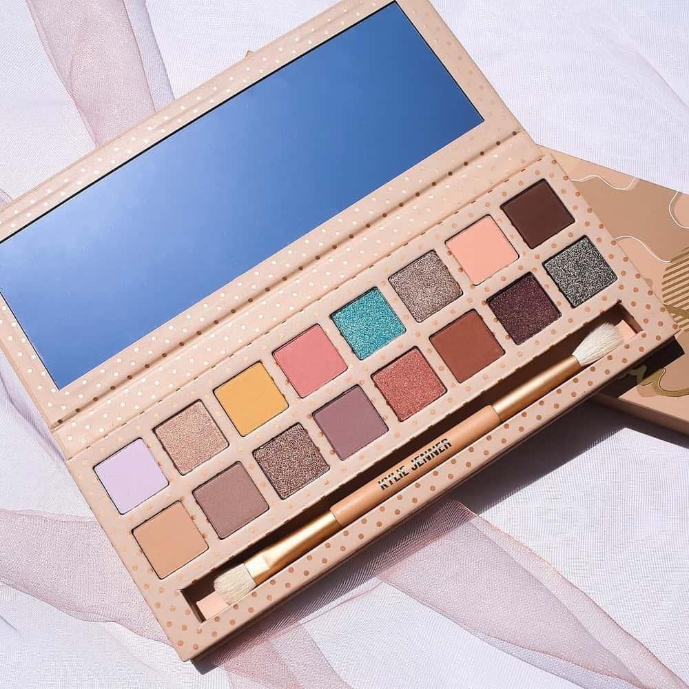 Liburan Cantik Dengan Kylie Cosmetics