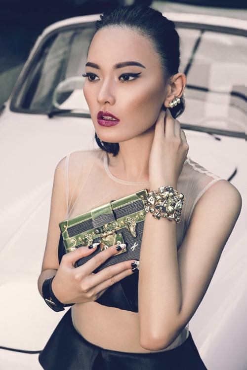 Makeup Multifungsi untuk Dibawa Saat Prewed
