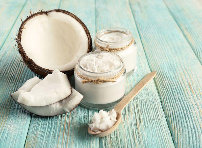 Manfaat Minyak Kelapa Untuk Kesehatan Gigi & Mulut