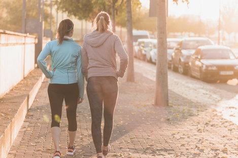Mau Berolahraga yang Ringan-ringan? Jalan Sehat Saja
