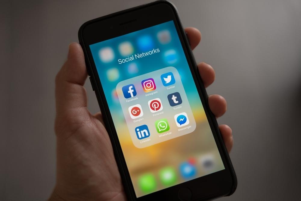 Mengenal 'Social Media Diet': Detoks Diri Dari Internet
