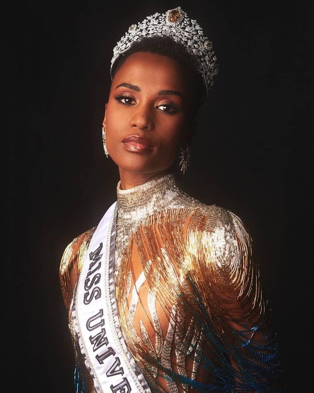 Mengenal Zozibini Tunzi, 'Miss Universe 2019'