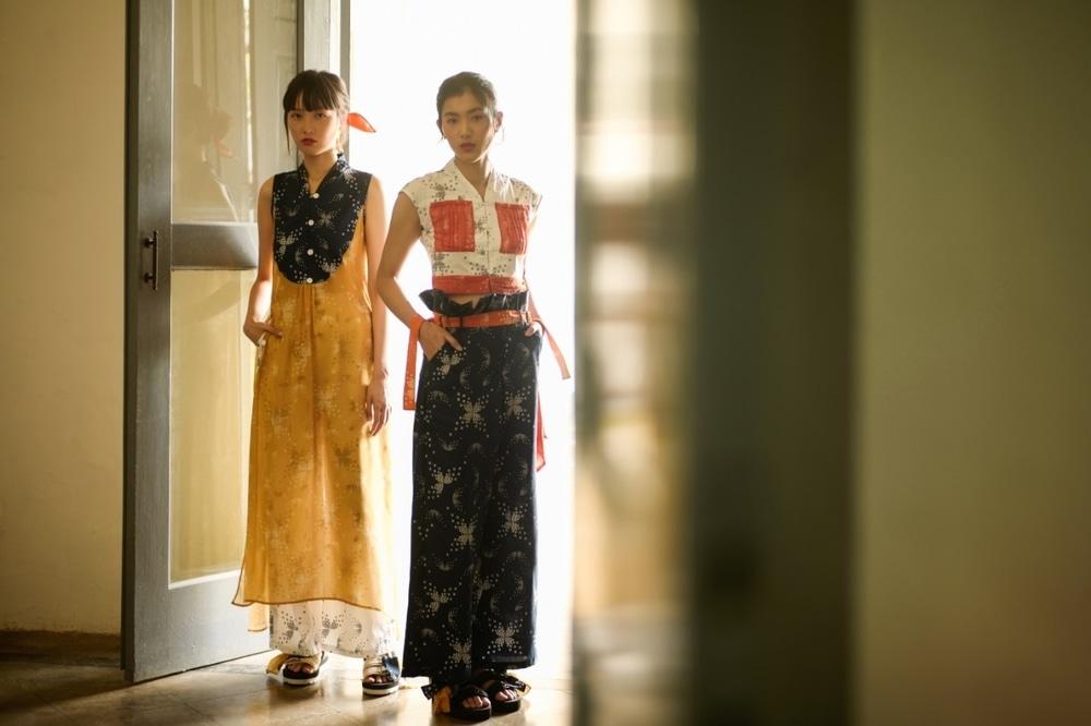 Mengintip Inspirasi Busana Batik 2020 Dari Bateeq