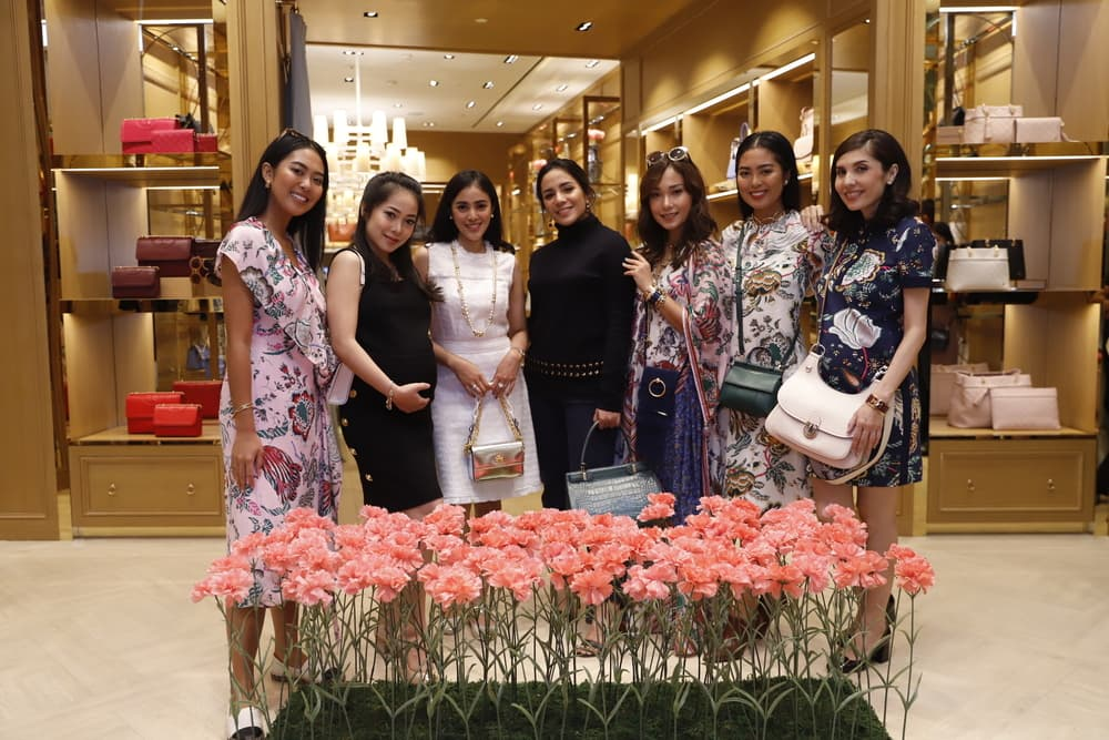Meriahnya Perayaan HUT 1 Tory Burch Pacific Place