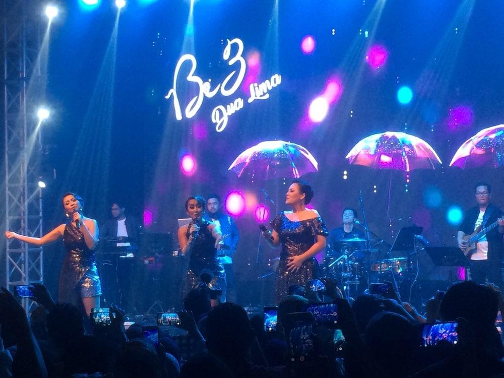 Nostalgia Penuh Canda di Konser 'Dua Lima Be3'