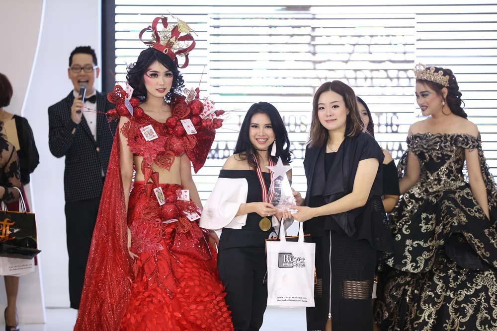 Pesta Kelulusan Rever Hair and Makeup Academy