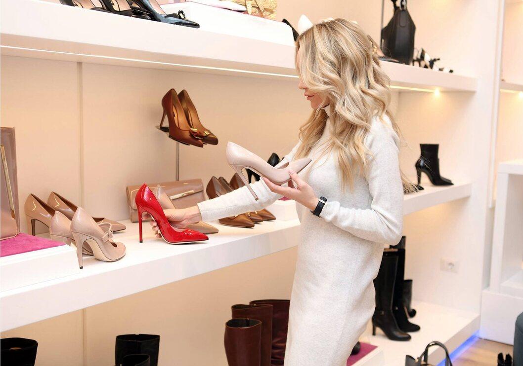 Cara Memilih Sepatu yang Cocok Untuk Pemilik Kaki Lebar