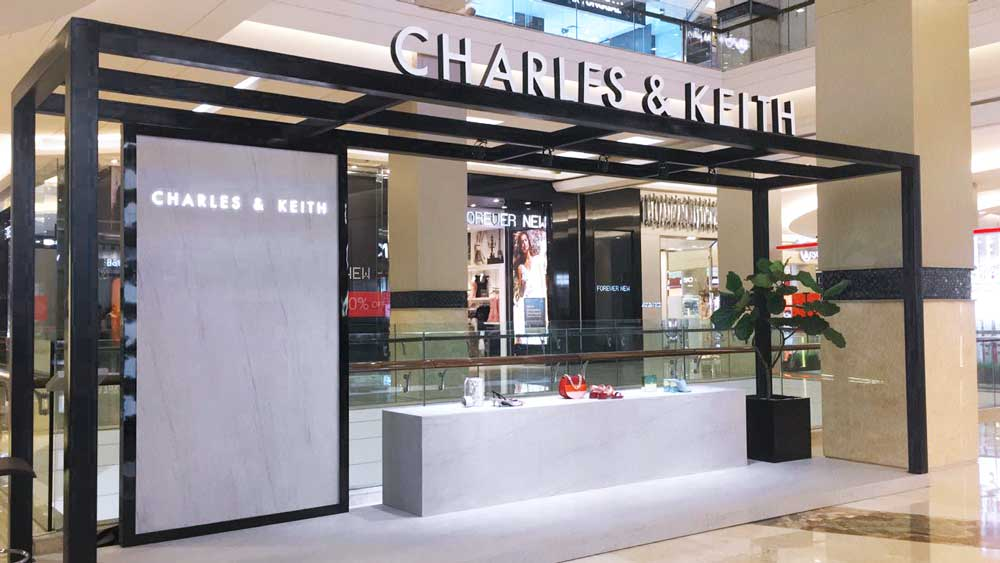 Pop Up Display Charles & Keith Di Kota Kasablanka