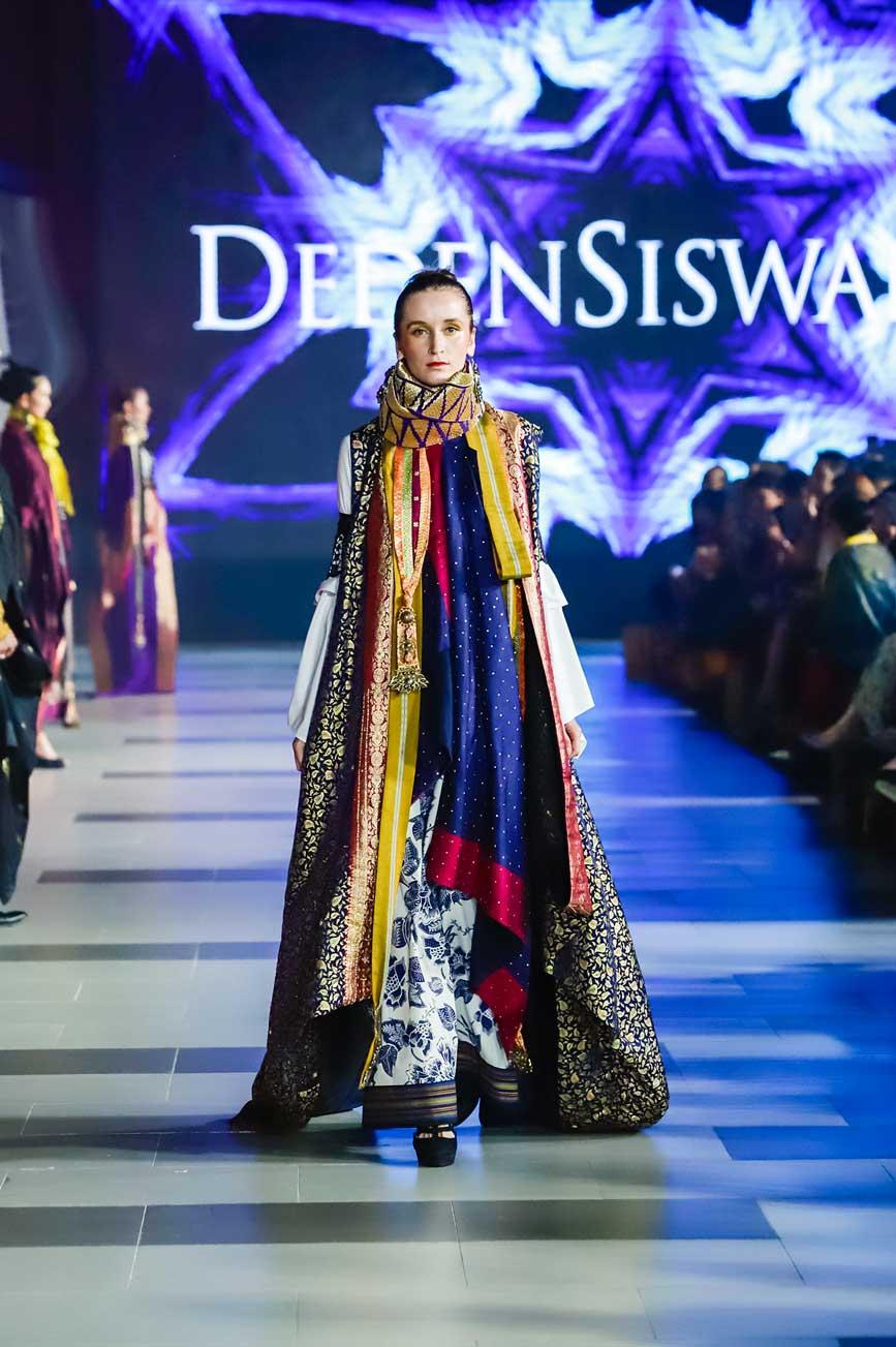 Ragam Budaya Indonesia Di Surabaya Fashion Parade Ke-11